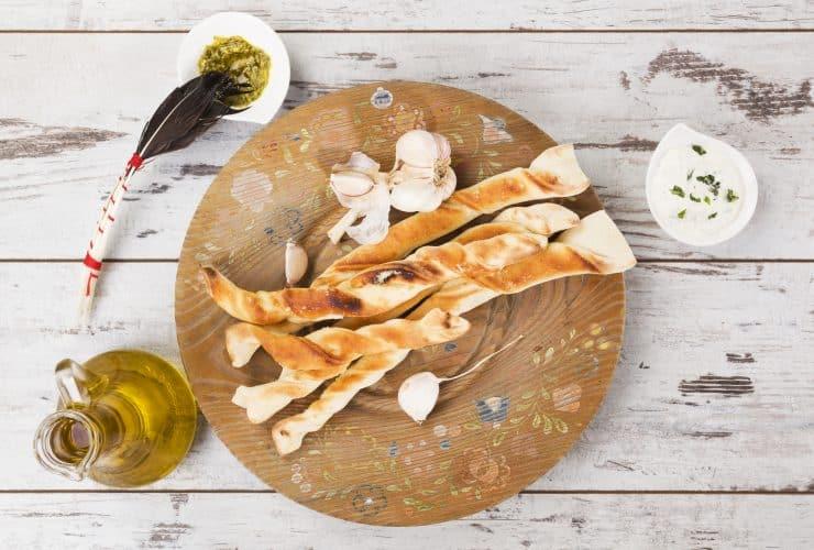 are pizza hut breadsticks vegan?