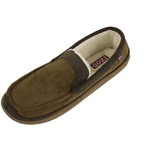 IZOD Men's Classic Two-Tone Moccasin Slippers