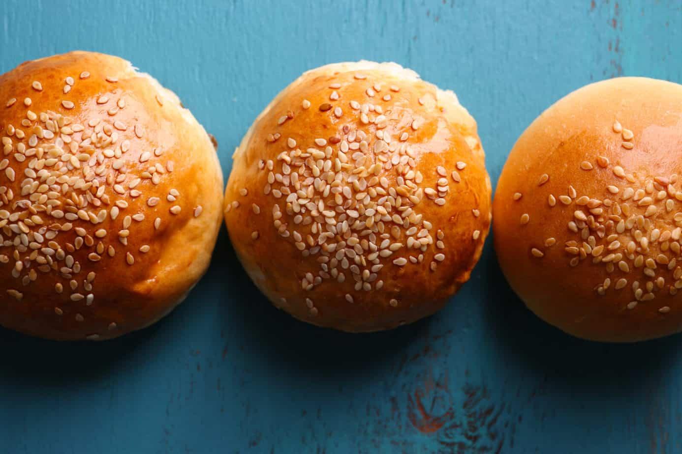 Are hamburger buns vegan?