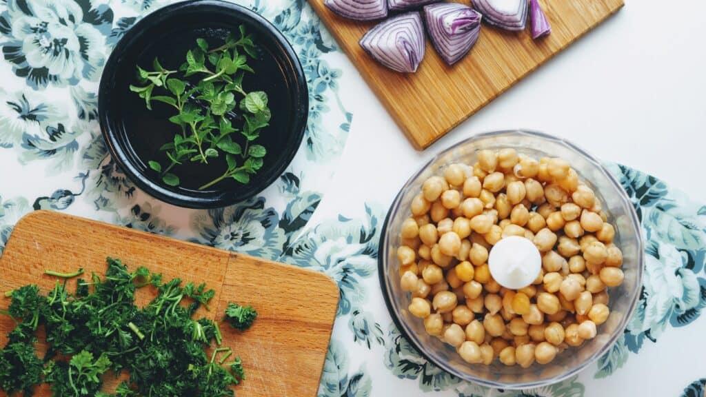 ingredients of hummus
